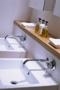 His and her basins, lighting.